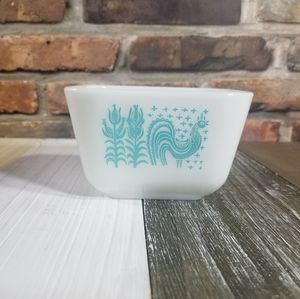 Vintage Pyrex Amish Butterprint Rooster Dish